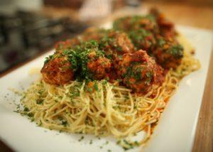 Italian meatballs and spaghetti recipe - The Cooks Pantry