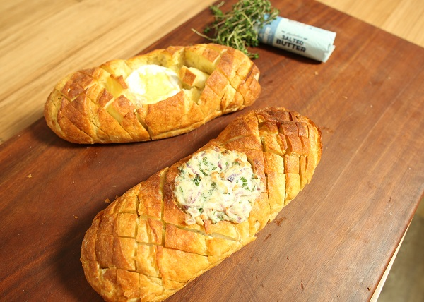 Hassleback Bread recipe - The Cooks Pantry
