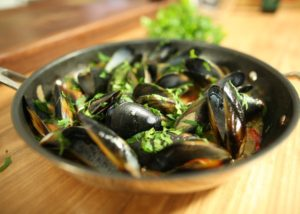 Champagne Mussels recipe - The Cooks Pantry