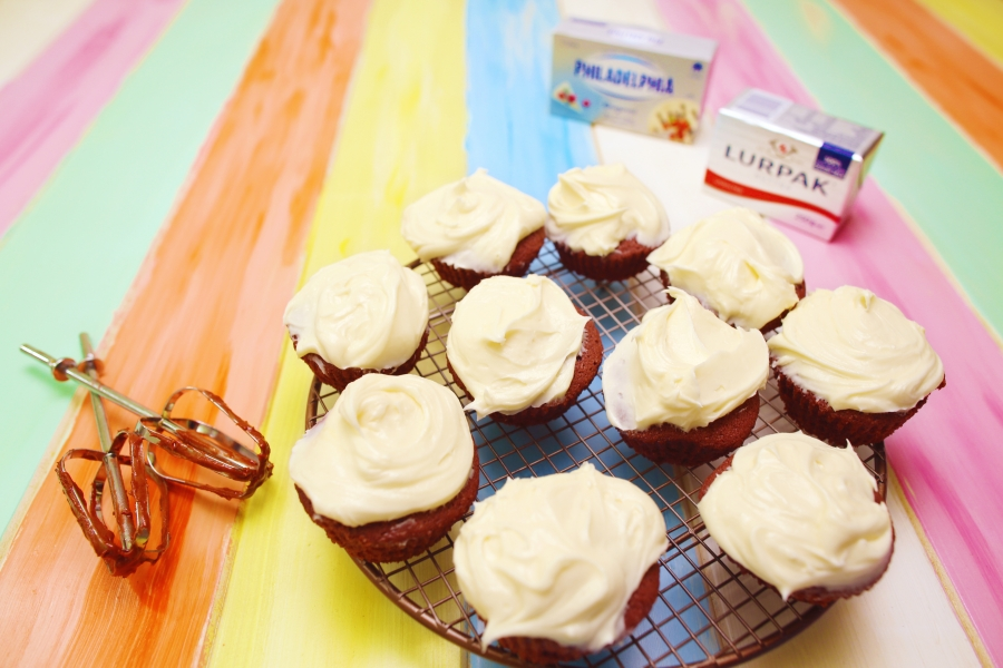 2018 Red Velvet Cupcakes recipe - The Cooks Pantry