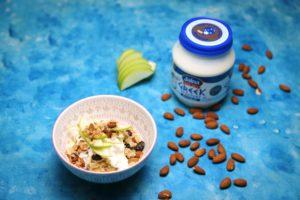 2137 Apple, Raisin and Almond Bircher Musli recipe - the cooks pantry