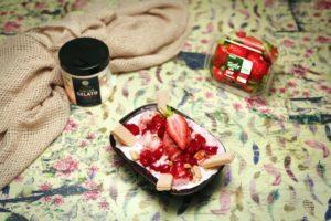 2168 Strawberry Sundae recipe - the cooks pantry